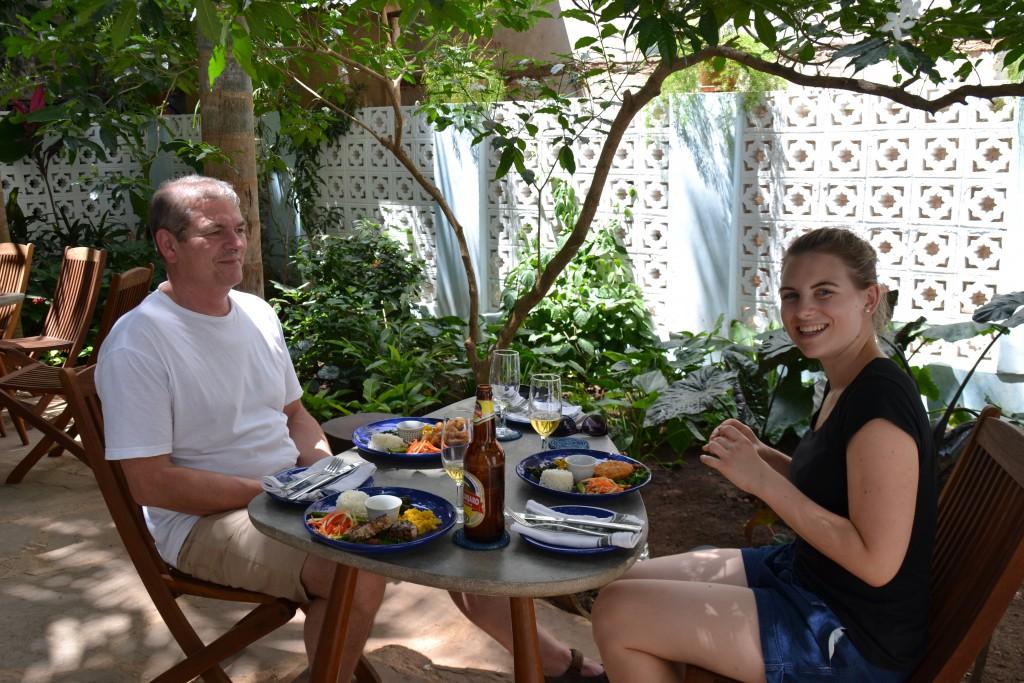 Der idyllische Garten des Emerson Spice Hotels