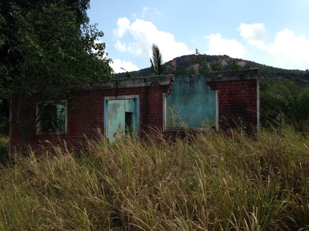 Ruine im Pugu Hills Nationalpark