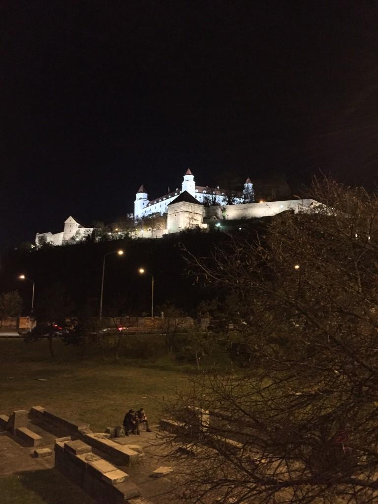 Burg Devin bei Nacht