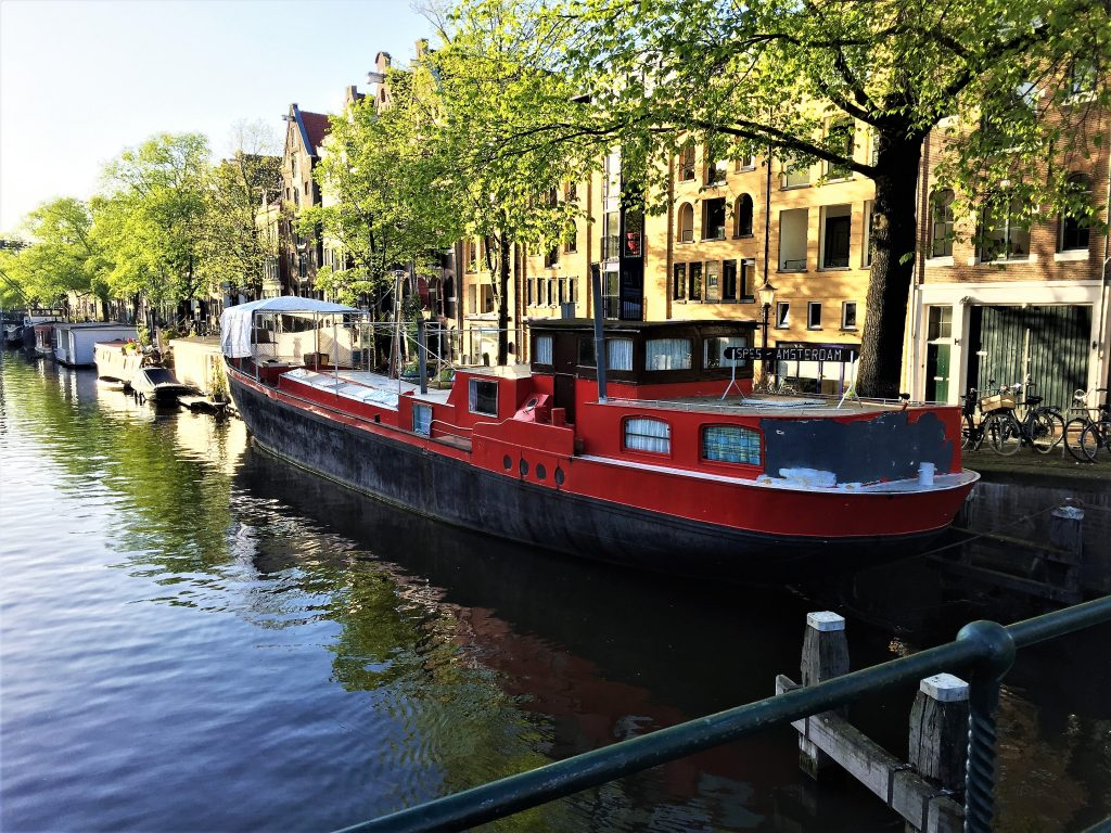 amsterdam gracht boot