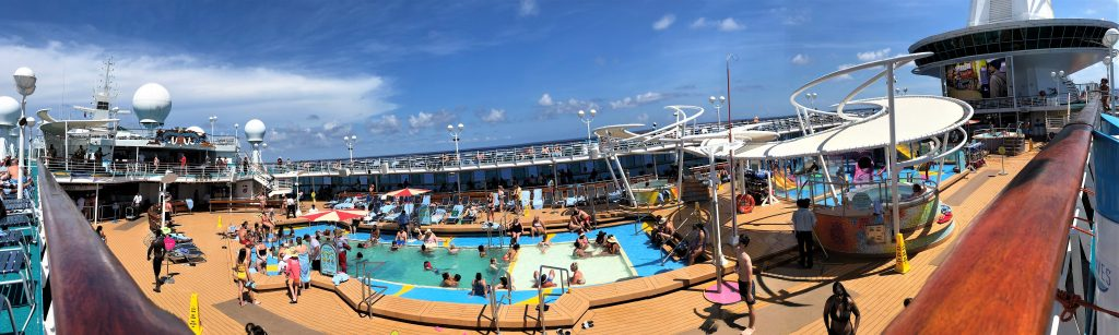 poolarea on majesty of the seas